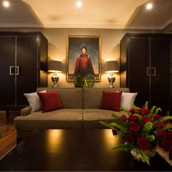 Queen Elizabeth II Suite Lounge | The Silkroad