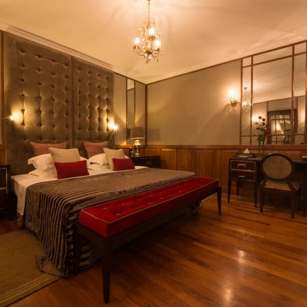 Queen Elizabeth II Suite Bedroom | The Silkroad
